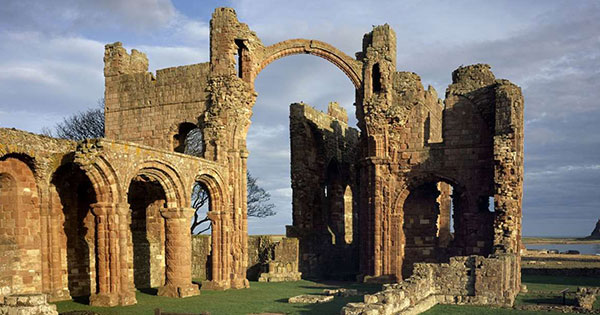 An introduction to early medieval england english heritage