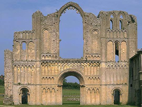 medieval architecture english heritage