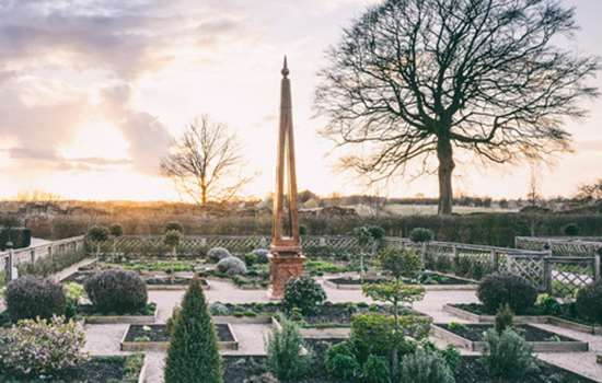 Image: wintry gardens at Kenilworth