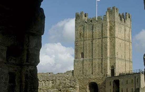Build a Norman Castle | English Heritage