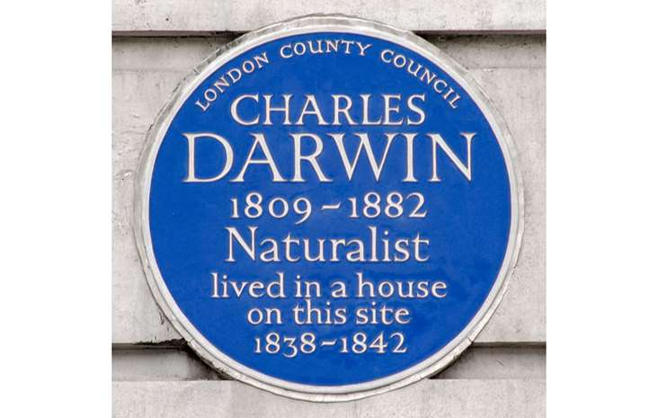 https://www.english-heritage.org.uk/siteassets/home/visit/blue-plaques/find-a-plaque/blue-plaques-a-e/darwin-charles-plaque.jpg?w=732&h=465&mode=crop&scale=both&cache=always&quality=60&anchor=&WebsiteVersion=20190620-0207