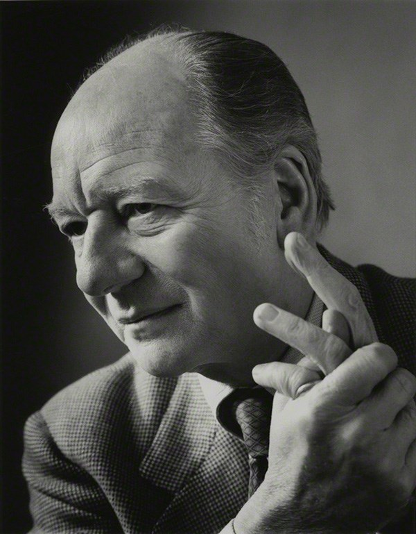 Black and white photograph of Sir John Gielgud