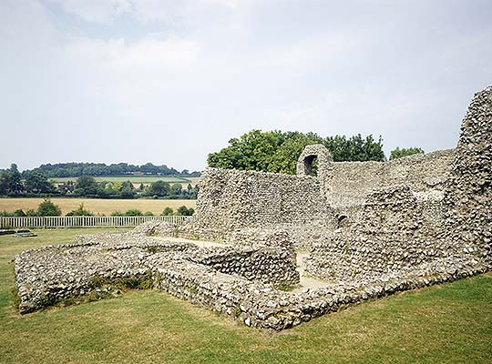 View of the ruins of Eynsford Castle