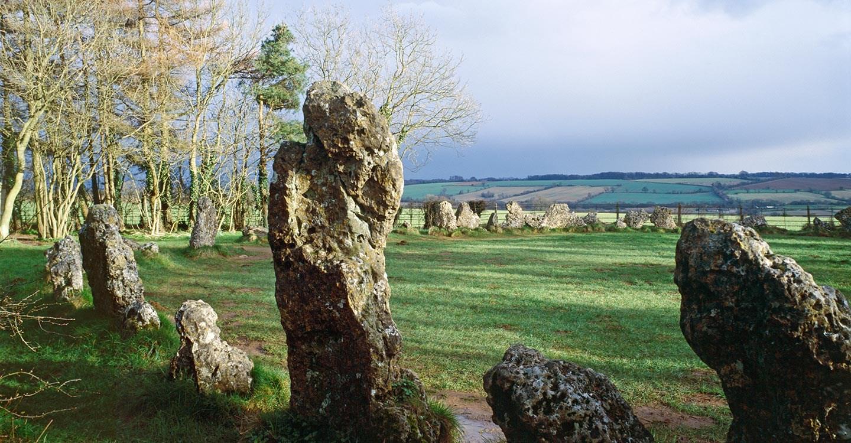 Képtalálatok a következőre: rollright stones