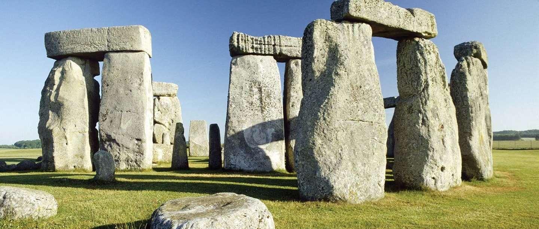 6ec09e1f210 Stonehenge Virtual Tour - Inside The Stones