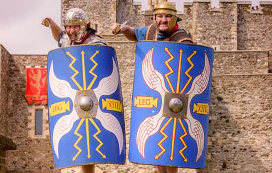 Two Roman soldiers in front of Dover Castle